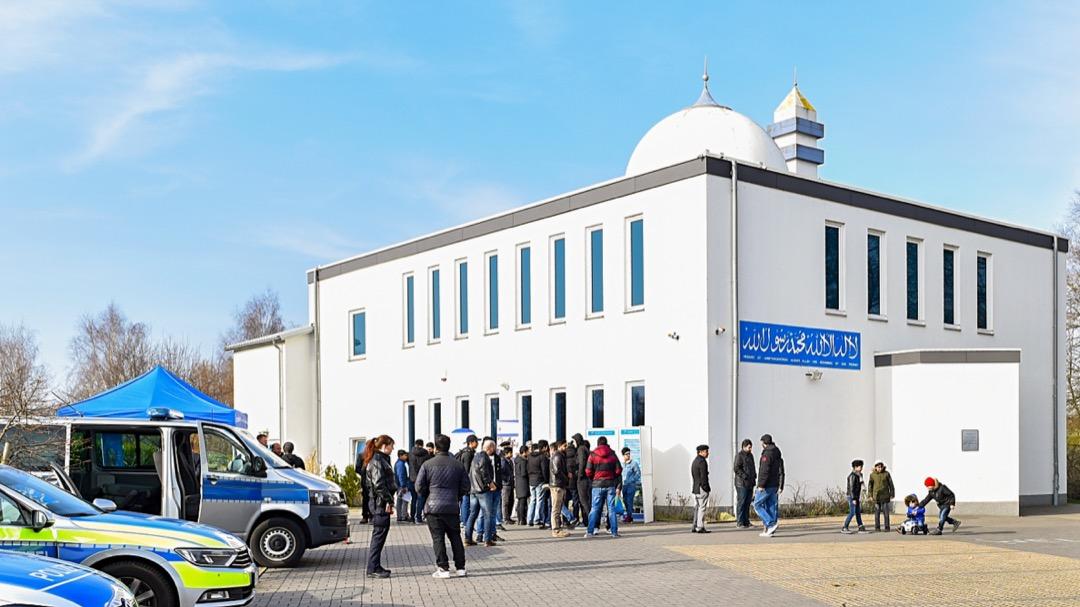 Polizei-Besuch-in-der-Sami-Moschee-24